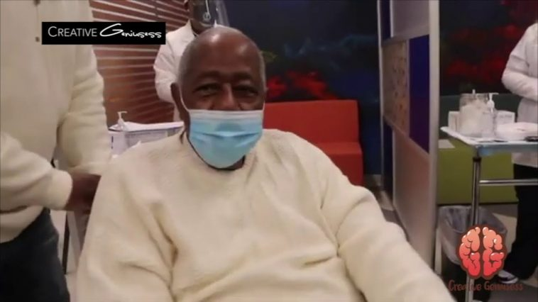 """On January 5, 2021 MLB Hall of Famer Hank Aaron got the Covid-19 Vaccine. 17 days later he passed away from a """"massive stroke."""""""